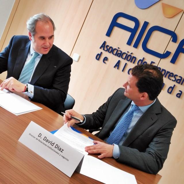 AICA y mundoFranquicia firman un acuerdo para facilitar la expansión y creación de nuevas empresas