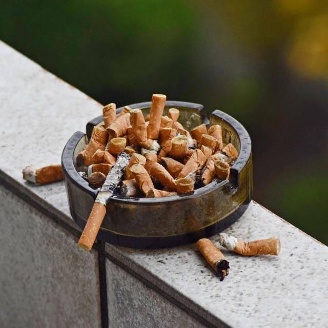 Sentencia sobre la prohibición de fumar en toda la empresa