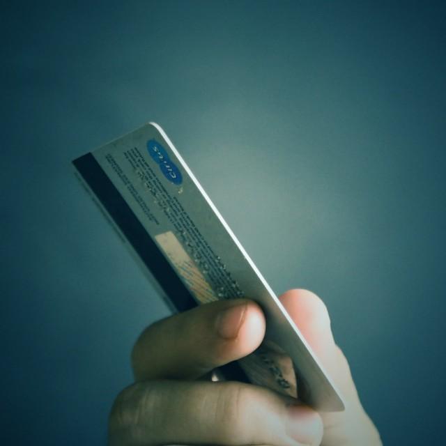 El Tribunal Supremo sentencia que un tipo de interés del 27,24 % de una tarjeta de crédito revolving es usura